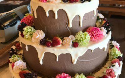 最近のウェディングケーキ
